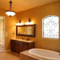 Освещение в интерьере ванной частного дома