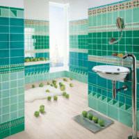 Изумрудный цвет на стенах ванной комнаты