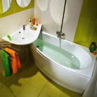 Угловая ванна и раковина вытянутой формы