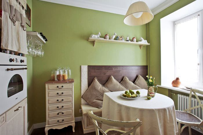 Сочетание оливкового цвета с бежевым в стиле прованс