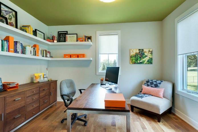 Дизайн комнаты с оливковым потолком