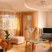 Оранжевые занавески в интерьере комнаты