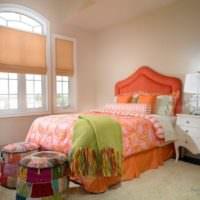 Различные оранжевые оттенки в интерьере спальни
