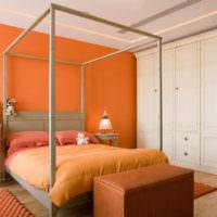 Современная спальня в оранжевых тонах