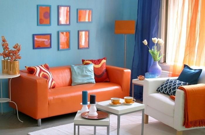 Оранжевый цвет в интерьере гостиной