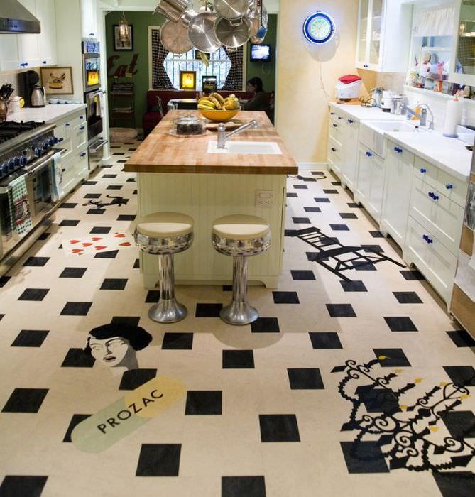 Оригинальное оформление пола на кухне с помощью необычного линолеума