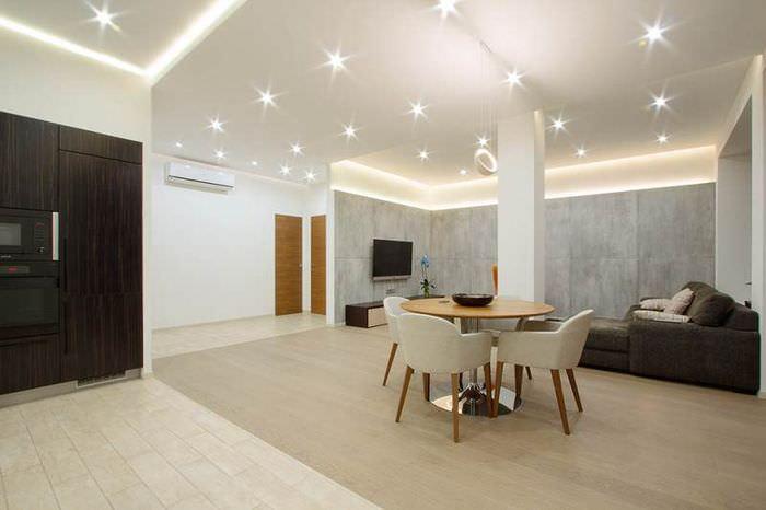 Дизайн освещения в современной гостиной комнате