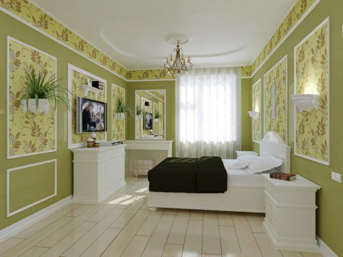 Отделение обоев от покраски стен с помощью молдингов
