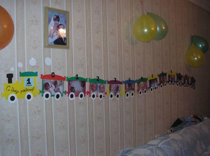 Коллаж из фотографий ребенка в оформлении комнаты ко дню рождения