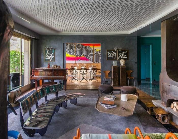 Рояль в гостиной с эксклюзивным интерьером