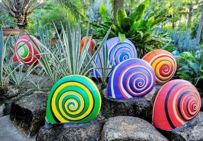 Декоративные улитки своими руками для украшения сада