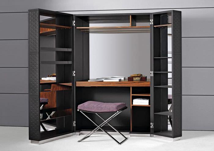 Складной шкаф для квартиры холостого мужчины
