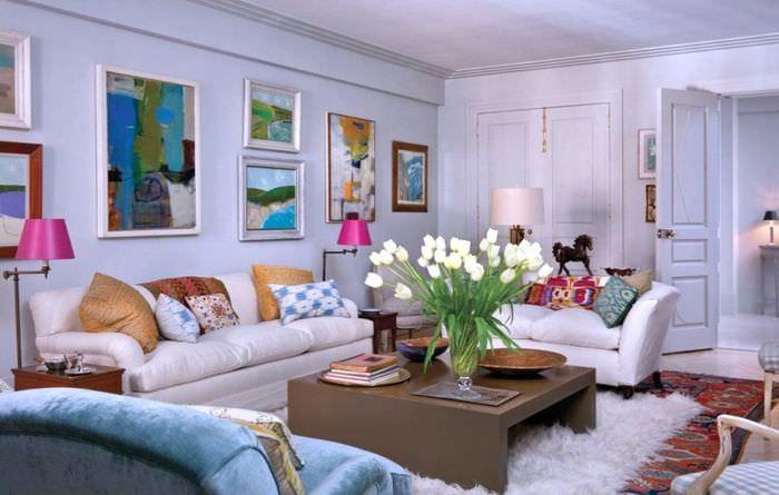 Дизайн помещения гостиной в смешанном стиле