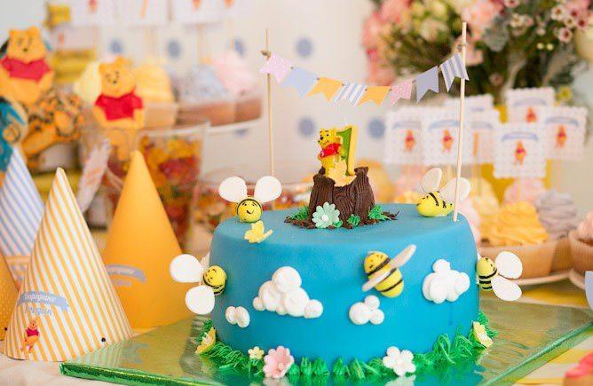 Детский торт в стиле Винни Пуха на день рождения ребенка