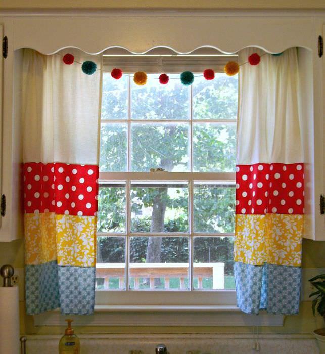 Занавески своими руками для оформления кухонного окна