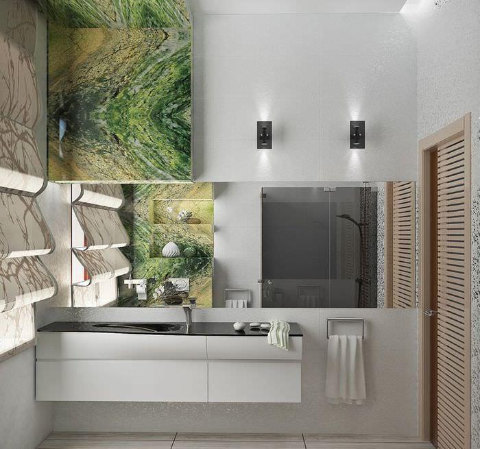 Использование зеркал для изменения пространства ванной комнаты