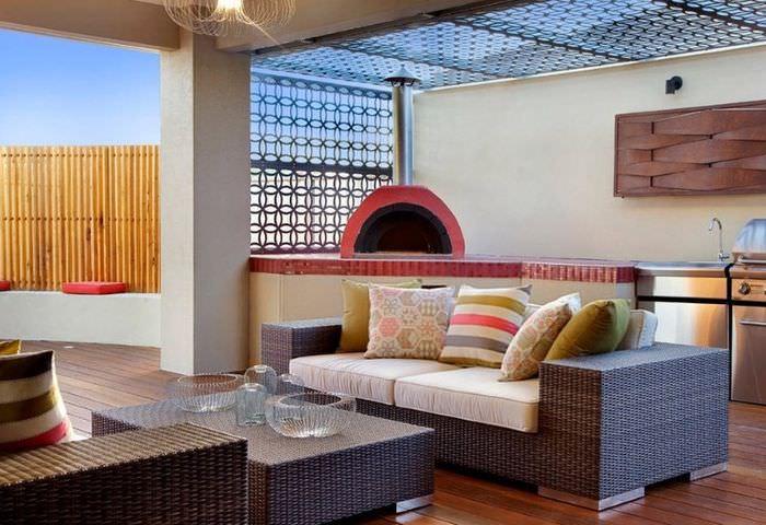 Оформление комнаты частного дома в марокканском стиле