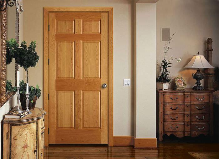 Межкомнатная дверь с облицовкой из натурального шпона