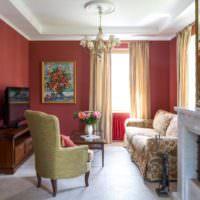 Интерьер небольшой гостиной в городской квартире
