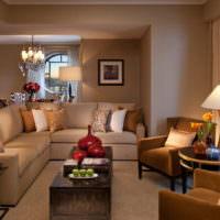 Коричневый интерьер гостиной в многоэтажном доме