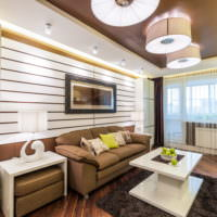Коричневый натяжной потолок в интерьере гостиной