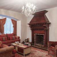 Темные оттенки красного в гостиной с камином
