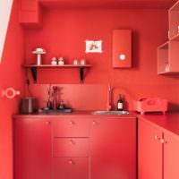Красная кухня в частном доме