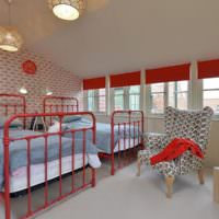 Красные кровати в дизайне детской комнаты