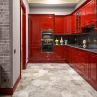 Красный кухонный гарнитур из дерева