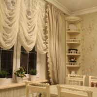 Оформление окна на кухне своими руками