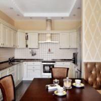 Кремовые стены в дизайне кухни