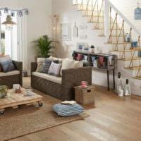 Мебель из ротанга в гостиной загородного дома