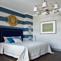 Полосатая стена в морском стиле