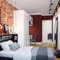 Гитары на стене в комнате подростка