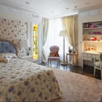 Текстиль с цветами в дизайне спальни