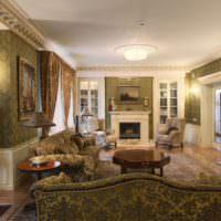 Интерьер гостиной частного дома в стиле классики