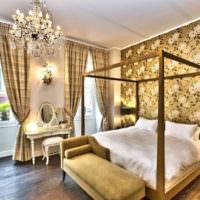 Хрустальная люстра в дизайне спальной комнаты