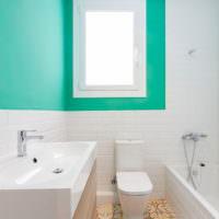 Стены цвета мяты в ванной комнате