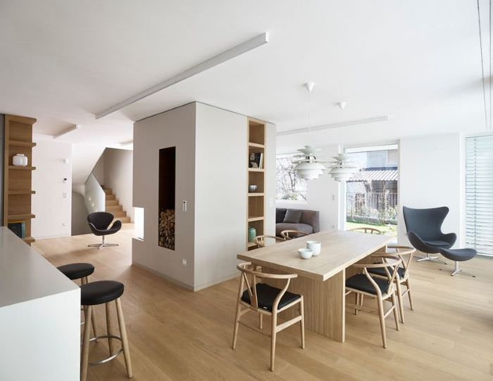 Обеденная зона в кухне-гостиной стиля контемпорари