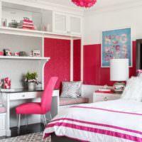 Красный цвет в оформлении спальни для девочки подростка
