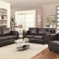 Черная кожаная отделка мягкой мебели