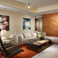 Оформление стены жилой комнаты картинами