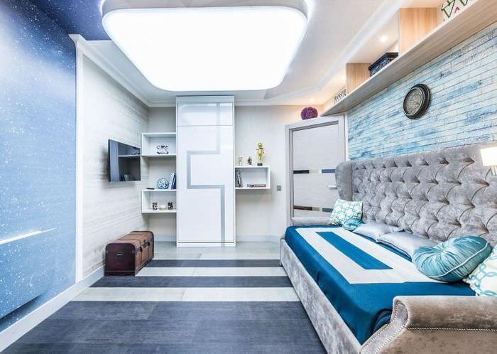 Мебель в комнате с космическим интерьером