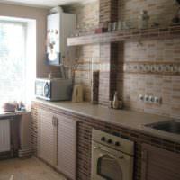 Отделка рабочей зоны кухни керамической плиткой