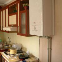 Газовая колонка в интерьере кухни в хрущевке
