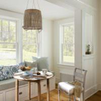 Столик для завтраков в загородной гостиной