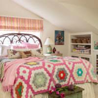 Яркий текстиль в оформлении спальни