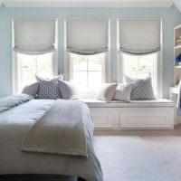 Римские шторы в спальной комнате