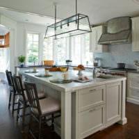 Кухонный остров с обеденной зоной