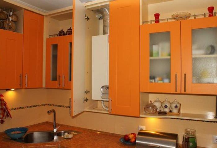 Расположение газового котла внутри кухонного гарнитура